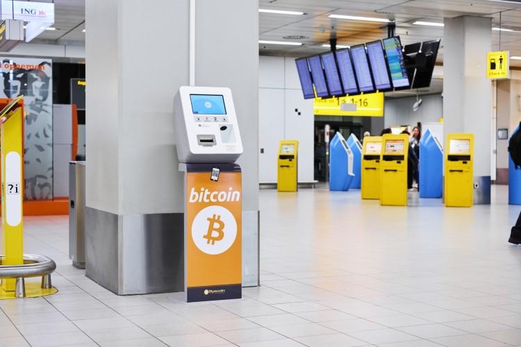 Schiphol Crypto BTC ETH euro