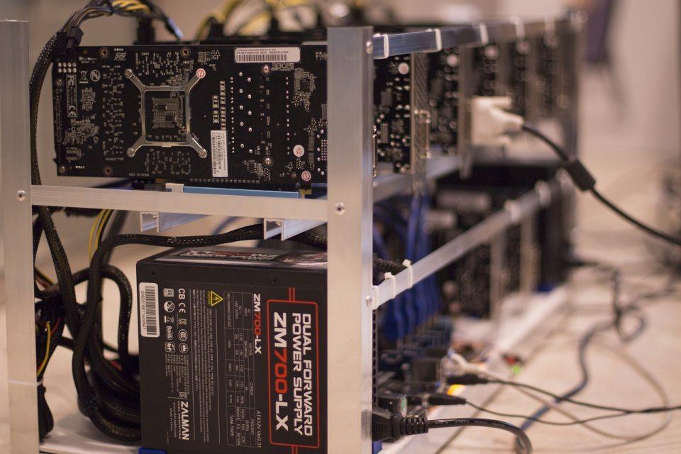 Bitcoin mining steeds decentraler